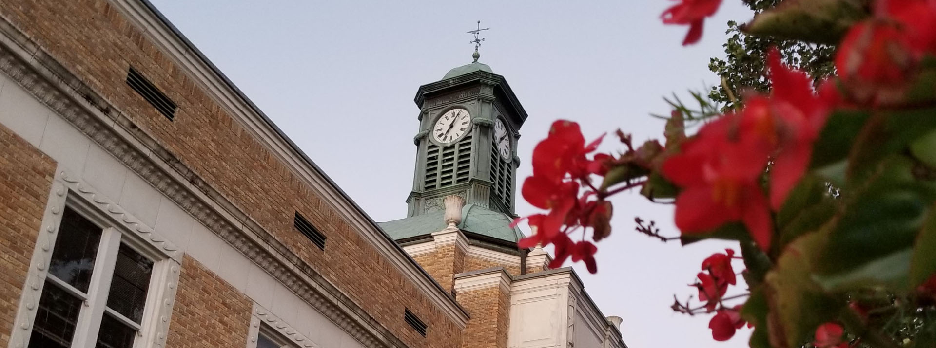Clocktower on the courthouse in Somerville